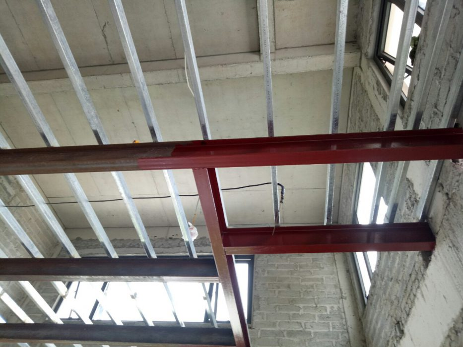 Hệ khung thép thi công sàn nhẹ nâng thêm tầng.