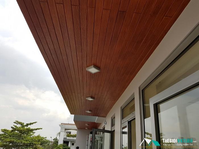 Trần gỗ chịu nước Conwood - Smartwood không lo ngại mưa nắng.