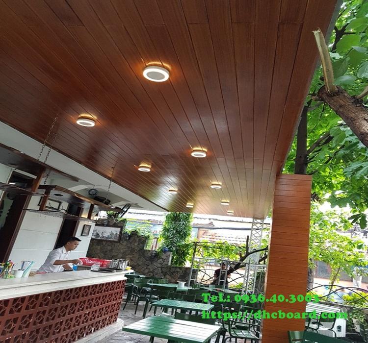 Trần gỗ chịu nước ngoài trời không lo mưa nắng mối mọt, bảo hành trên 30 Năm