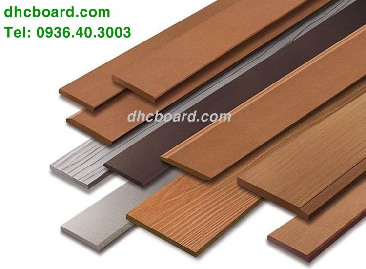 Thanh hàng rào gỗ chịu nước Durawood bền đẹp hơn gỗ tự nhiên.