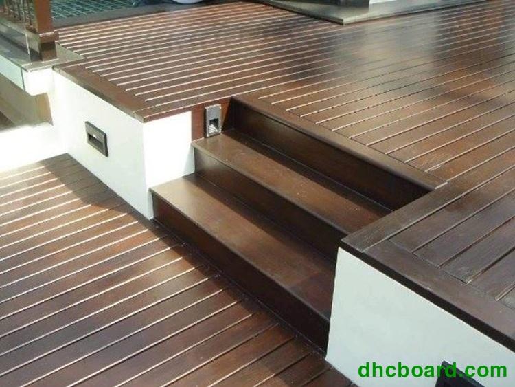 Sàn gỗ ngoài trời Durawood đang được sự tin tưởng lớn của rất nhiều khách hàng.