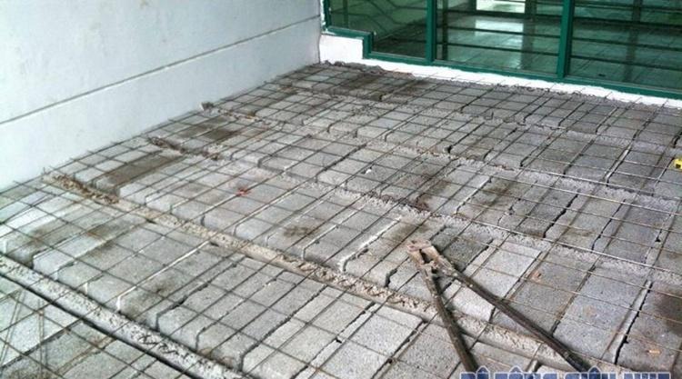 Sàn bê tông xuân mai có độ chịu lực cao, nhưng hơi nặng