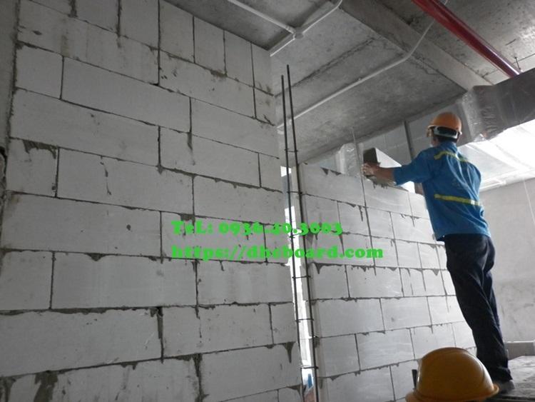 Xây gạch nhẹ cho nhà khung thép dân dụng